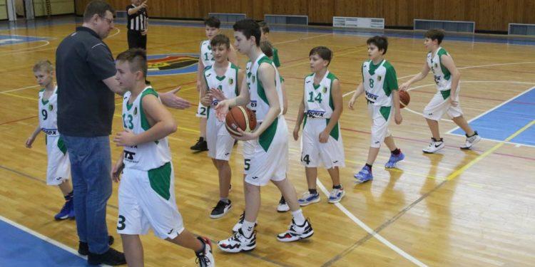 Koszykówka U-13. Stal - AZS Politechnika Rzeszów 55:69 Sztafeta.pl