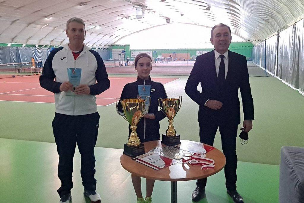 Mistrzyni Polski z wizytą u prezesa Podkarpackiego Związku Tenisowego i prezesa Miejskiego Klubu Tenisowego w Stalowej Woli Sztafeta.pl