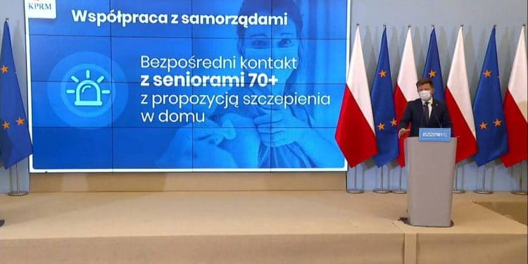 Dotrą do seniorów ze szczepieniami Sztafeta.pl