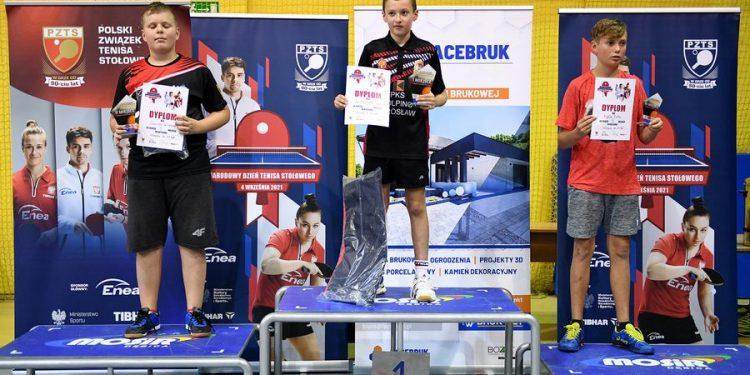 Tenis stołowy. Wiktor Gawron z UKS Gim-Tim 5 Stalowa Wola drugi w olimpiadzie tenisowej w Dębicy Sztafeta.pl
